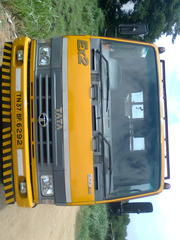 tata 909 for sale model 2010 ex2 (17in feet)