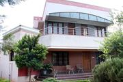Independent House of 4BHK,  2400 Sq Fts Building Area With Garden.