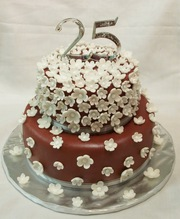 Best Anniversary Cakes in Chennai